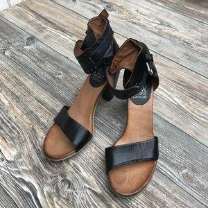 MIZ MOOZ: Verona Collection: Mina Ankle: Size 39